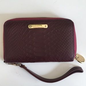 Gigi Zip Around Wristlist in Plum